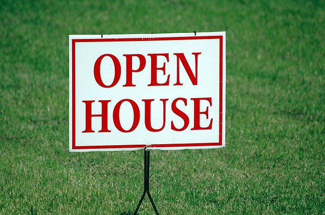 Open House sign on lawn